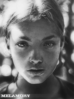 Melamory Larionova逼真写实素描人像铅笔画作品赏析(3)